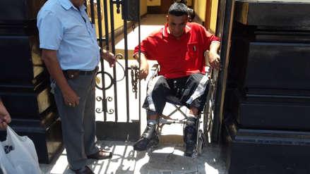 Cierran con cadena acceso para personas con discapacidad en municipalidad de Chiclayo
