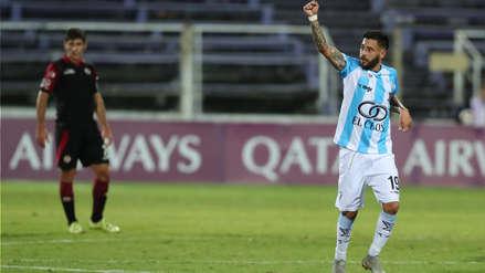 Atlético Cerro abrió la cuenta en el marcador ante UTC con este remate al borde del área que finalizó en gol