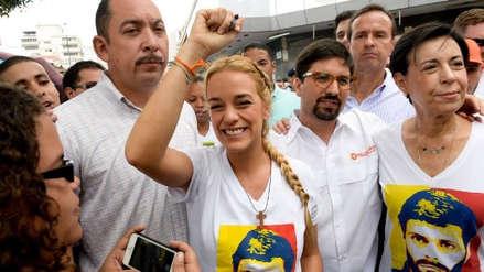 """Lilian Tintori: """"Todos a la calle, tenemos que lograr el cese definitivo de la usurpación"""""""