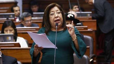 Congreso suspendió por 120 días a María Elena Foronda por contratar a una condenada por terrorismo