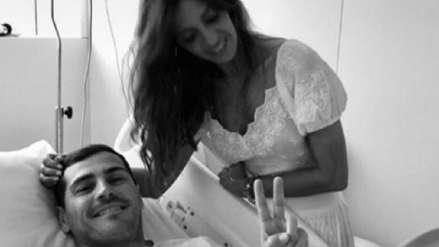Sara Carbonero visita a Iker Casillas en la clínica, a espera de nueva evaluación