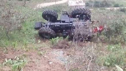 Tractor valorizado en 200 mil soles vuelca antes de ser entregado a los agricultores de Otuzco