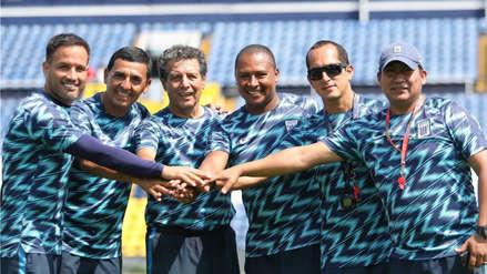 César Cueto asistió al entrenamiento de Alianza Lima y recibió especial reconocimiento