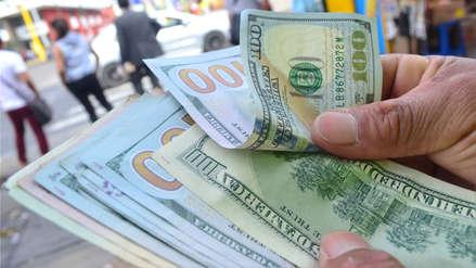 Dólar caía al inicio de la jornada y se cotizaba a este precio