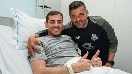 Iker Casillas recibió la emotiva visita del plantel del Porto