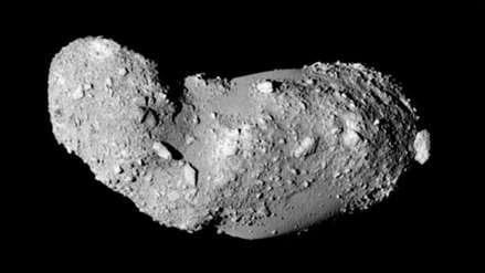 Científicos descubren agua en muestras del asteroide Itokawa