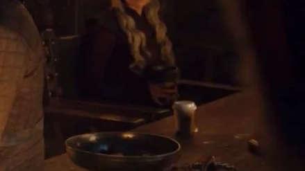 Un vaso de Starbucks apareció por accidente en Game of Thrones e inspiró estas reacciones en Twitter