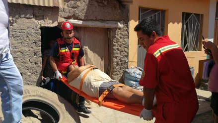 Chiclayo | Bomberos rescatan a una indigente que fue mordida por roedores