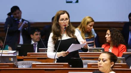 Cuatro bancadas piden a Rosa Bartra priorizar debate de la reforma política