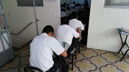 Chiclayo | Multan a colegio donde obligaron a escolar a dar examen en pasadizo