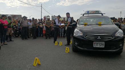 Tres personas mueren acribilladas a bordo de un taxi en plena calle de Trujillo