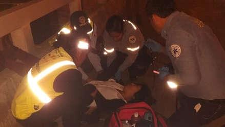 Una agente del serenazgo de Surco salvó a joven que estaba a punto de lanzarse del puente Benavides