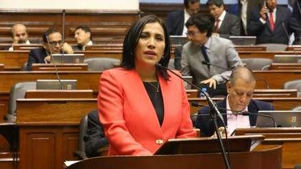 """Flor Pablo ante el Congreso: """"El Minedu no elabora materiales educativos que promueven ninguna ideología"""""""