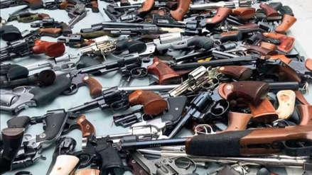 Más de mil armas y municiones: el increíble arsenal que halló la policía en una lujosa casa de EEUU