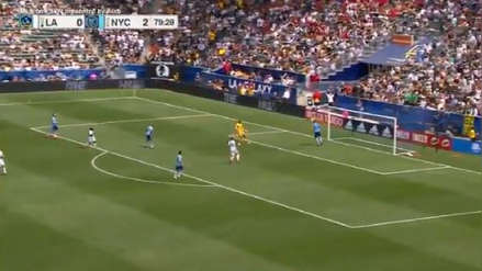 Míralo, Gareca: Alexander Callens evitó gol de Los Angeles Galaxy con esta gran salvada