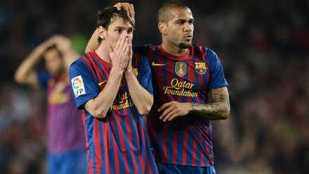 Dani Alves salió en defensa de Lionel Messi por eliminación de Barcelona en Champions League