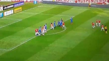 ¡Paolo Guerrero siempre presente! Tiro libre del peruano generó el primer gol de Inter ante Cruzeiro