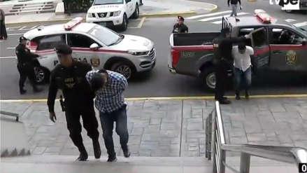 Policía intervino a cuatro personas que iban a asaltar agencia bancaria en Los Olivos