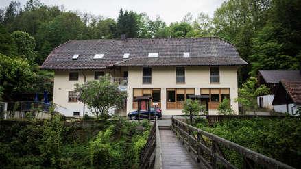 Un hotel, flechas de ballesta y cinco muertos: el misterioso crimen que conmociona Alemania