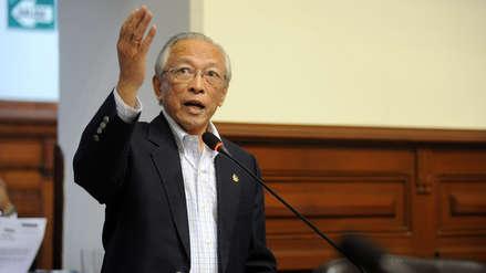 Humberto Lay renunció a la presidencia de Restauración Nacional