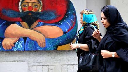 Irán | Estudiantes de una universidad se enfrentan por el uso del velo en mujeres