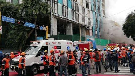 Un incendio se registró en un edificio en construcción de la avenida Larco en Miraflores
