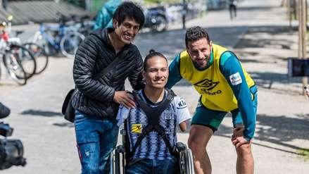 ¡Ídolo dentro y fuera de la cancha! Claudio Pizarro tuvo emotivo gesto con hincha de Alianza Lima en Alemania