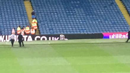 Marcelo Bielsa: Jugador de Leeds se queda llorando en el campo tras perder el ascenso a la Premier League