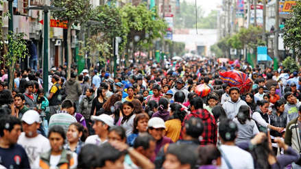 La clase media peruana creció 4.5 %: ¿A cuánto ascienden sus ingresos y cómo los emplean?
