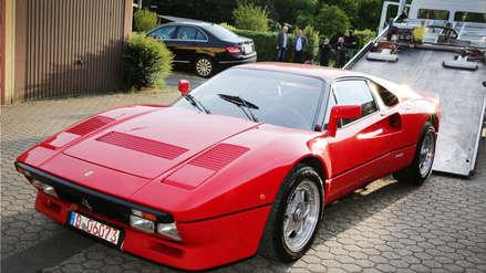 Alemania | Un hombre fue a una tienda de autos, pidió un Ferrari para probarlo y se lo robó