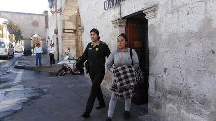 Abuela se hará cargo de niña que fue pateada por su madre en Arequipa