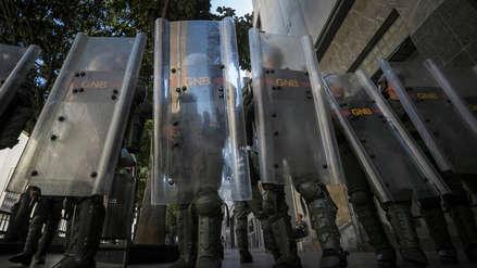 Régimen de Maduro impide ingreso a edificio del Parlamento de Venezuela por supuesta alerta de bomba