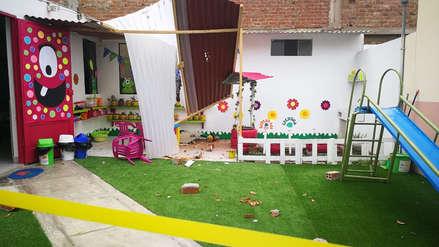 Pared de edificio cae sobre jardín y escolares se salvan de morir en Trujillo