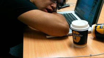Un trabajador se durmió en horario laboral y empresa lo despidió en La Libertad