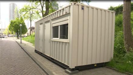 """Turista alquiló un """"hogar limpio"""" por US$ 150 al día en Airbnb y le dieron un container"""