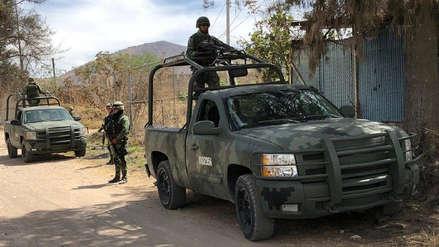 Militares mexicanos encuentran 18 bolsas con restos humanos en Jalisco