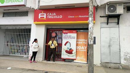 Video muestra cómo los asaltantes robaron en un minuto entidad financiera de Trujillo