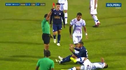 ¡Dejó a Sporting Cristal con 10! La polémica expulsión de Fernando Pacheco ante Carlos A. Mannucci
