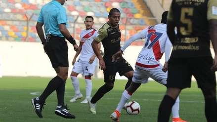 ¿Fue mano? La polémica falta que cobró Diego Haro en el Universitario vs. Deportivo Municipal