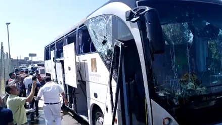 Explosión contra un bus turístico deja al menos 17 heridos en El Cairo