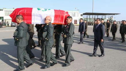 Ministros reciben con honores a agentes fallecidos en accidente de helicóptero en Amazonas