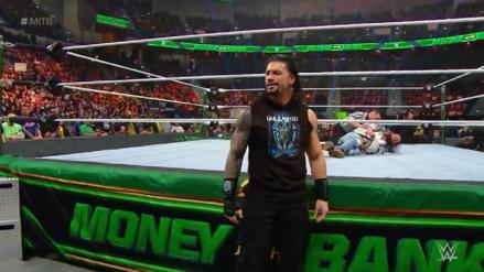 Roman Reigns derrotó a Elias en solo segundos de lucha