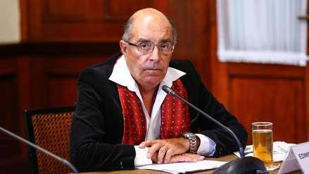Ministerio de Defensa concluyó el proceso de retiro de condecoraciones de Edwin Donayre