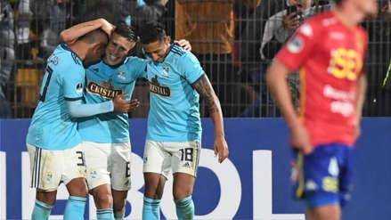 ¡Impresionante!: 'Titi' Ortiz puso el 3-0 con gol desde fuera del área por Copa Sudamericana