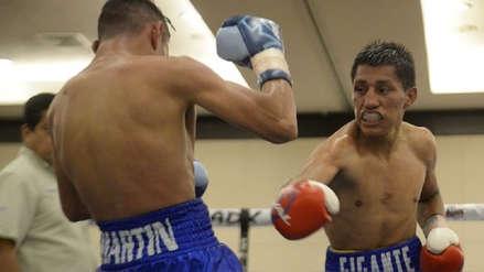 Ricardo Astuvilca vs. Julio  Mendoza se enfrentan por el campeonato mundial de peso mínimo de la AMB