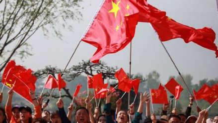Patriotismo, canciones y boicot: Así reaccionaron los ciudadanos chinos al veto a Huawei