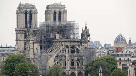 Notre Dame: Estatua de ángel dorado fue hallada entre escombros de bóveda