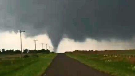 Más de 20 tornados en menos de 24 horas se registraron en Estados Unidos [VIDEOS]