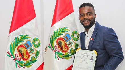 ¡Un compatriota más! Johnnier Montaño recibió la nacionalidad peruana