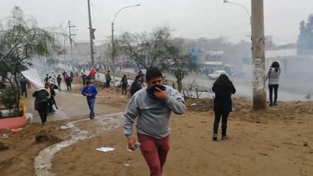 PNP y vecinos de Carabayllo se enfrentan en medio de protestas por obras de alcantarillado [VIDEO]